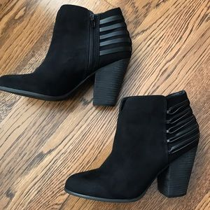 Carlos Santana Ankle Boots - Size 10